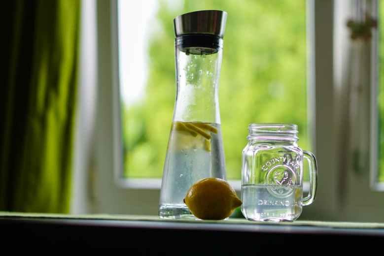 lemon-water-refreshment-fruit-juice-162783